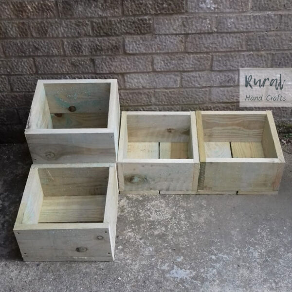square wooden separate planter set 4 planters